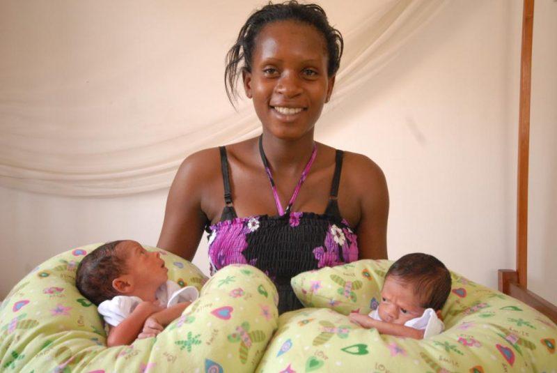 cuscino per allattamento per gemelli prematuri