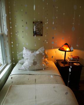 decorazione di neve per il letto