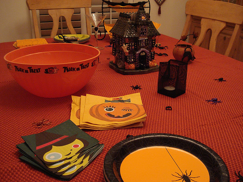 tavola imbandita per halloween