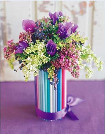 Vaso decorato con cannucce