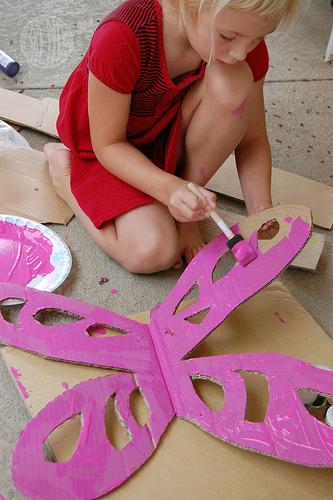 come fare le ali di farfalla con il cartoncino