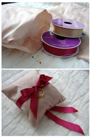cuscino portafedi con fiocco