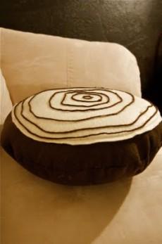 cuscino rotondo di feltro
