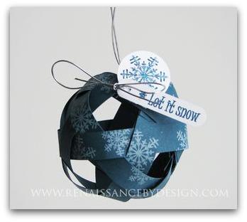 Natale: decorazioni e biglietti di carta