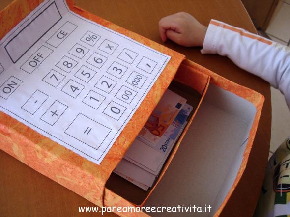 Как сделать своими руками кассу из коробки