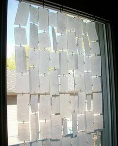 Come fare una tenda con plastica carta e stoffa riciclata - Tendine x finestre ...