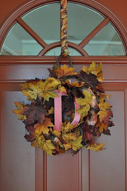 Come decorare la casa in autunno 22 idee da copiare - Ghirlanda porta ...