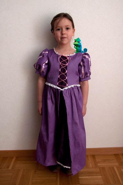 Il costume da raperonzolo pane amore e creativit - Come cucire costume da bagno ...