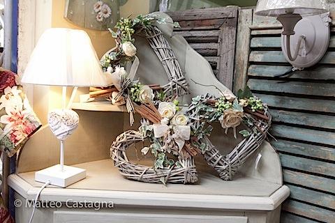 Arredi shabby chic e decorazioni romantiche presentate ad for Arredi shabby