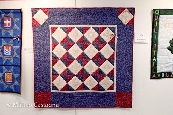 quilt italia - quilt in viola-rosso-bianco-1.jpg