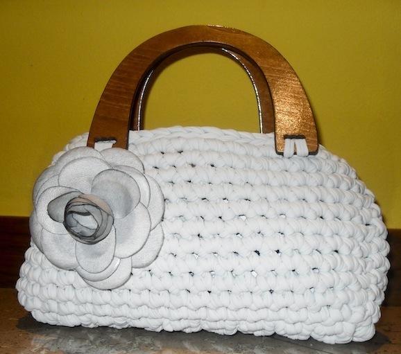 borsa-di-fettuccia-modello-bianco-1.jpg