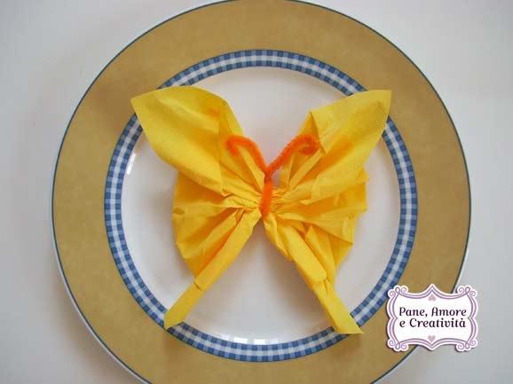Conosciuto Idee per la tavola: come piegare un tovagliolo a farfalla - Pane  WF87