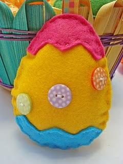 uovo di feltro.jpg