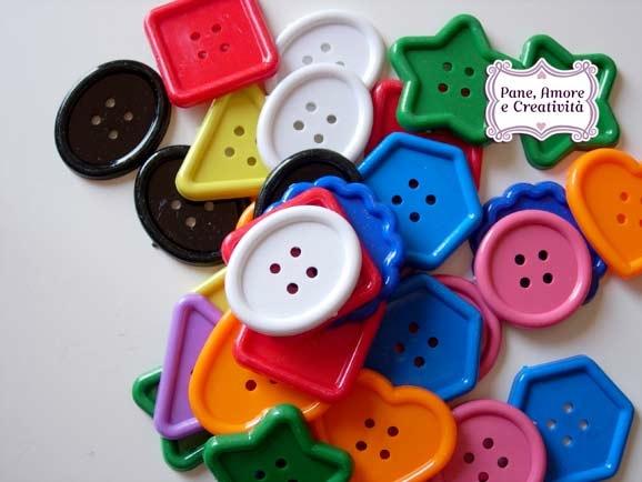 bottoni-di-plastica-per-creativita-1.jpg