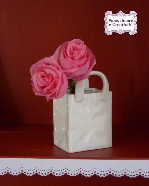 roselline-in-vasetto-ceramica-1.jpg