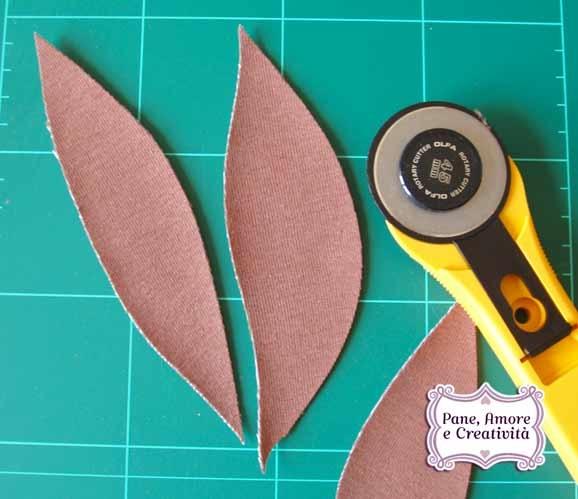 foglie-tagliate-con-taglierina-1.jpg
