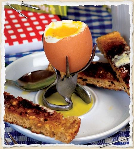 fork-egg-holder-top.jpg