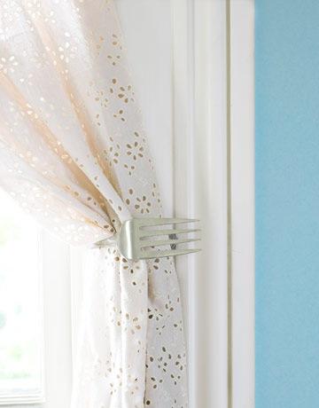 sept-crafts-fork-curtain-0910-de.jpg