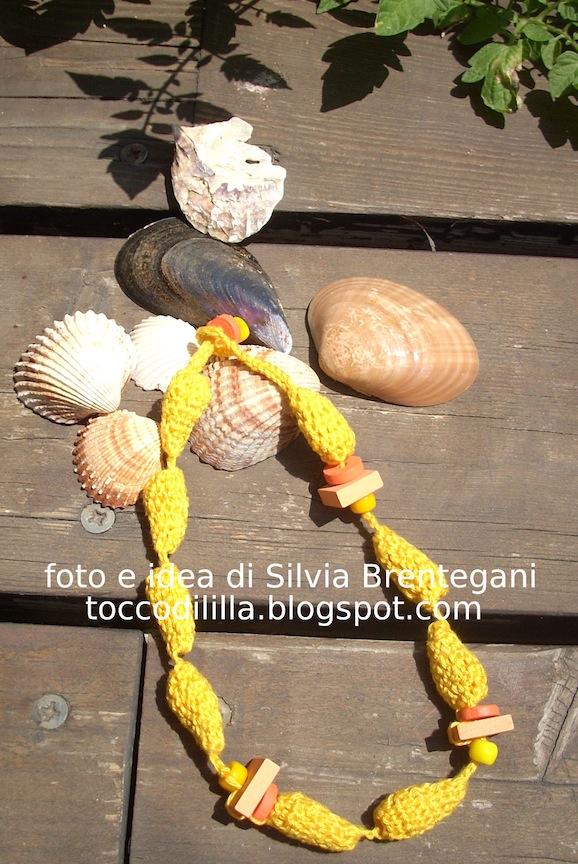 Uncinetto: la collana con perle a goccia di Silvia