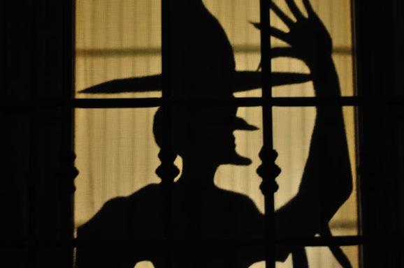 Decorazioni per halloween fai da te pane amore e creativit for Decorazioni halloween finestra