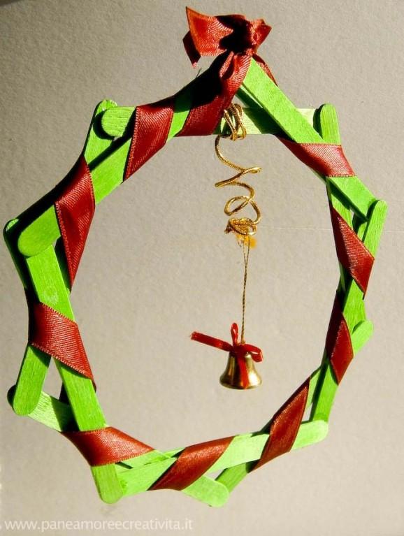Natale La Ghirlanda Con I Bastoncini Di Legno Pane Amore E