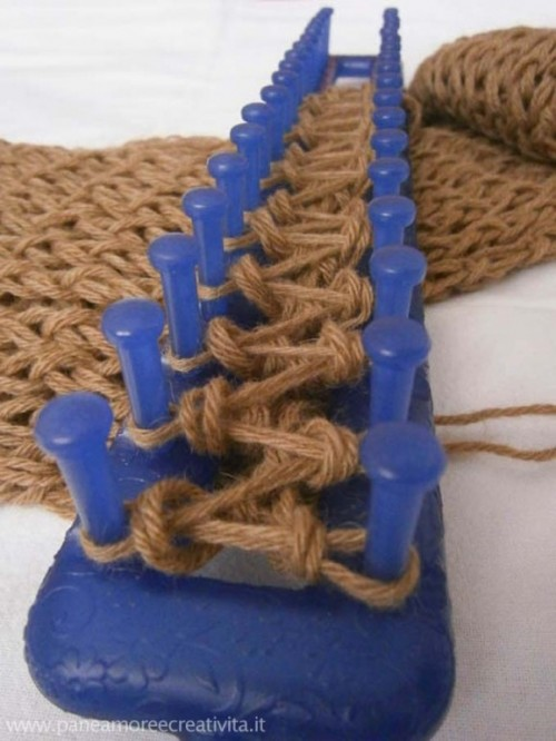 Popolare Il mio scaldacollo a maglia fatto con il telaio e la lana  GE93