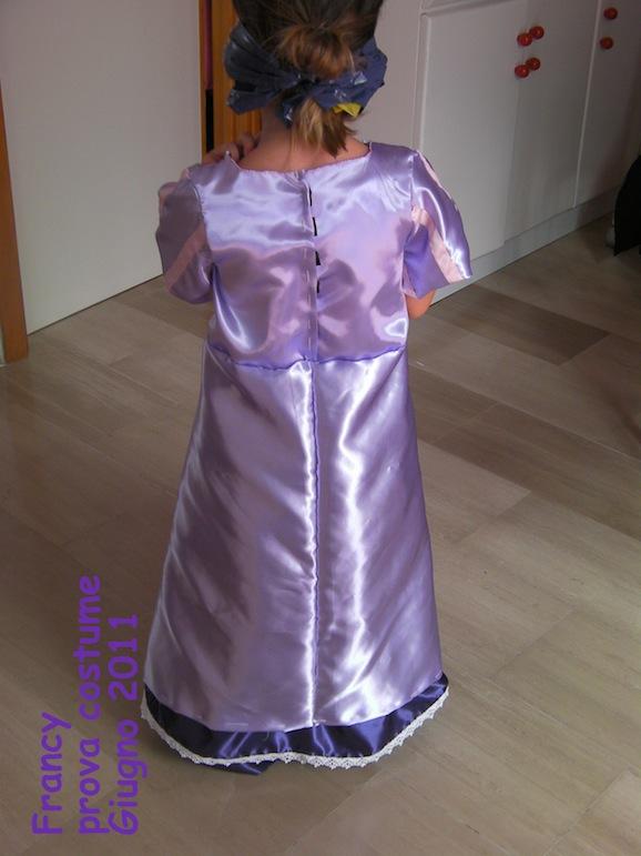 Carnevale fai da te il costume da raperonzolo di cinzia pane amore e creativit - Come cucire costume da bagno ...