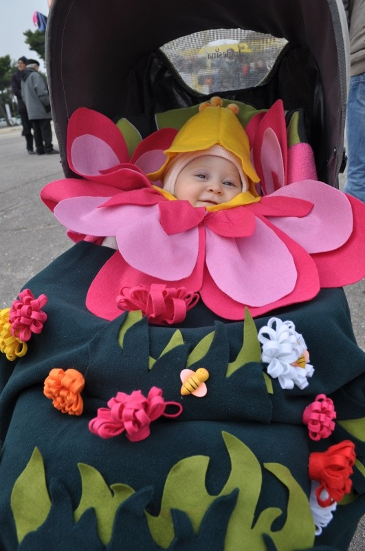 costume da fiore per neonato