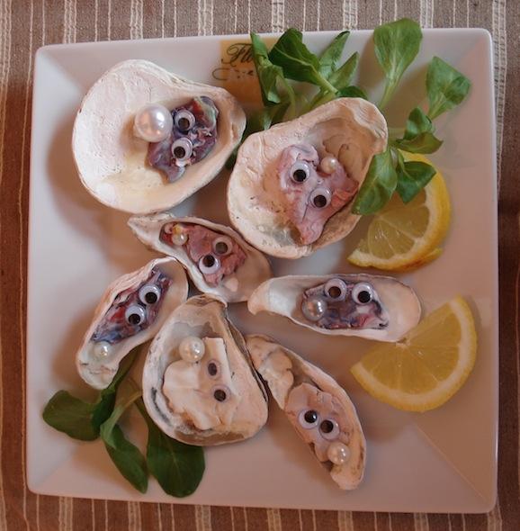 Creare cibi gioco insieme ai bambini: le ostriche fatte con la pasta da modellare