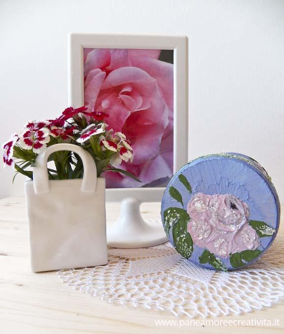 Idee per riciclare: il barattolo decorato con la rosa 3d