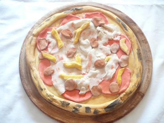 La pizza fatta con la pasta di sale