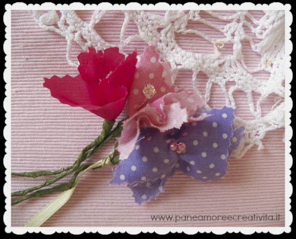 Riciclo come fare i fiori con i campioni di tessuto for Fermaporta fai da te in stoffa