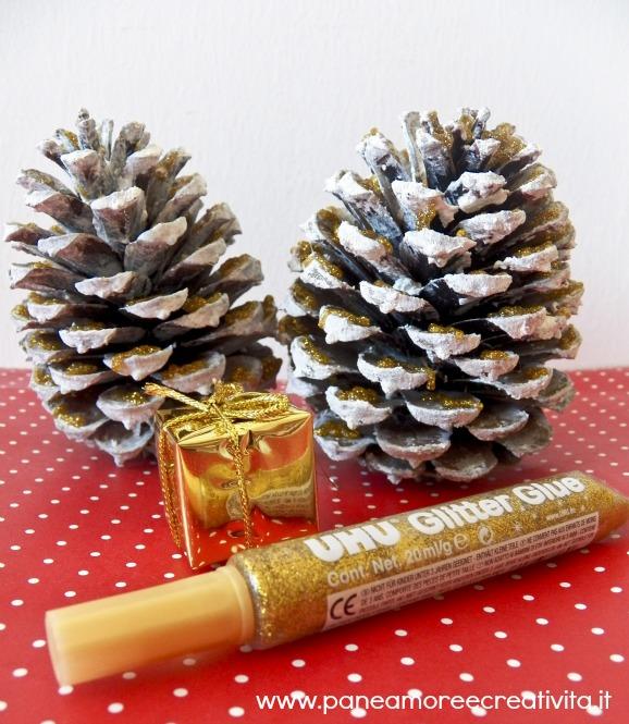 Decorazioni natale le pigne d 39 oro con la neve pane amore e creativit - Decorazioni con le pigne per natale ...