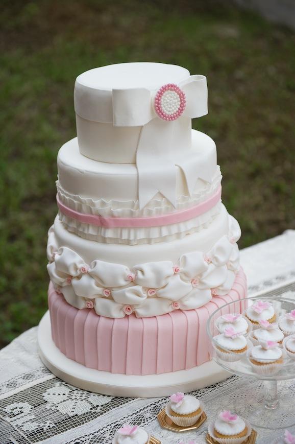 wedding cake con fiocco