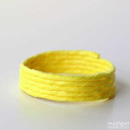 neon-yellow-diy-jewelry-with-raffia0[1]