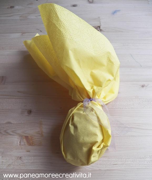 uovo nel tovagliolo chiuso2
