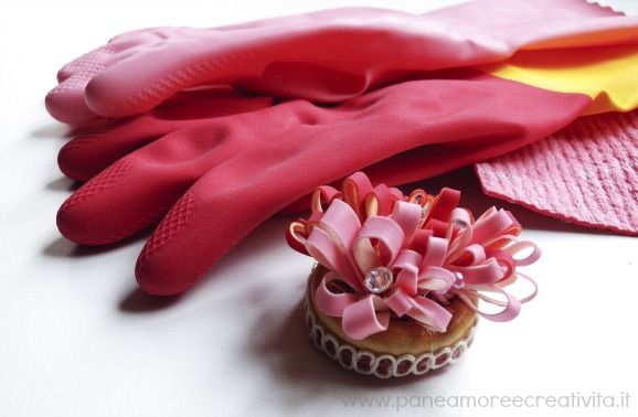 Come riciclare guanti e panni spugna: la mia spilla bouquet