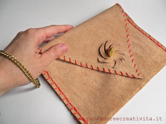 cd010e559e Riciclo il divano e creo: ecco la mia borsa in pelle fatta a mano ...