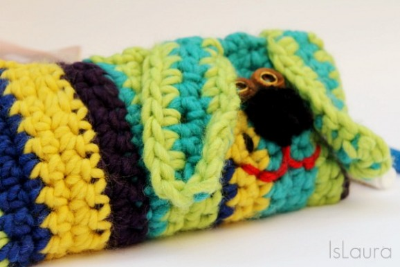 Astuccio-a-forma-dfi-cane-lavorato-a-crochet-600