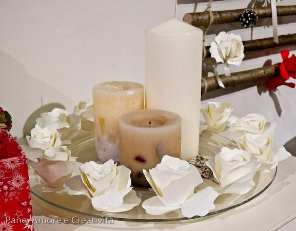 candele e rose di carta