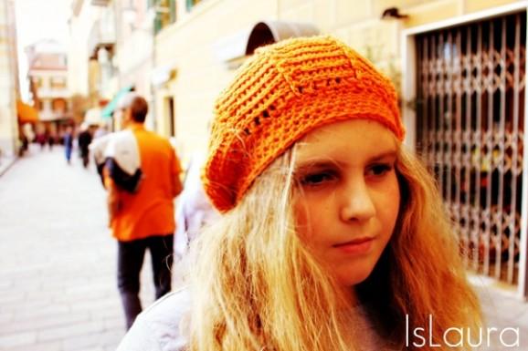 mma con il cappello arancione