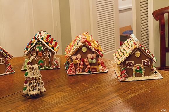Casetta Di Natale Con Biscotti : Tradizioni natalizie le gingerbread house · pane amore e creatività