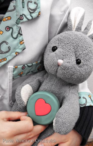 stetoscopio giocattolo con battito