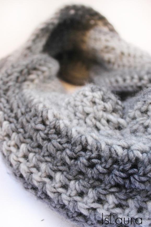 sciarpa grigia ad anello