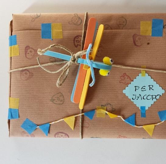 pacchetto regalo con libellula1