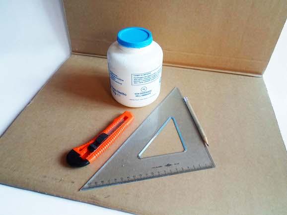 Materiali per lampada di cartone