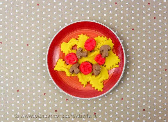 farfalle_con_pomodori_e_funghi2