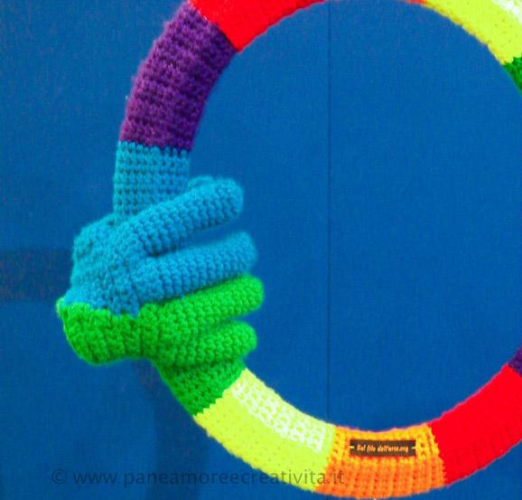 _mano_da_indossare_a_crochet_-_sul_filo_dell_arte_