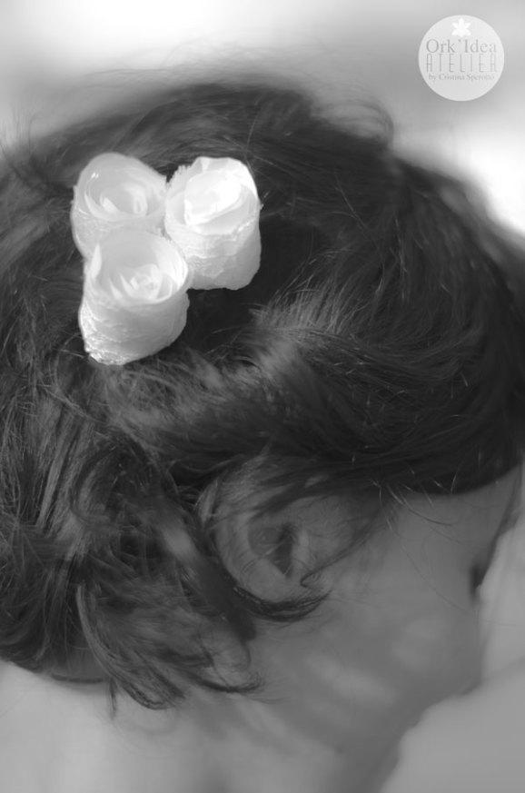Come fare un fermacapelli per la sposa con boccioli di rosa