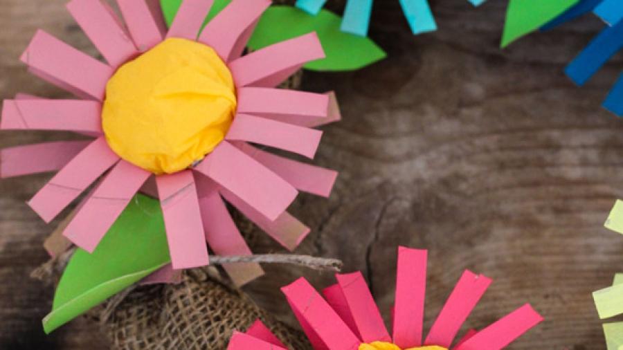 ghirlanda-di-fiori-di-cartone-verticale